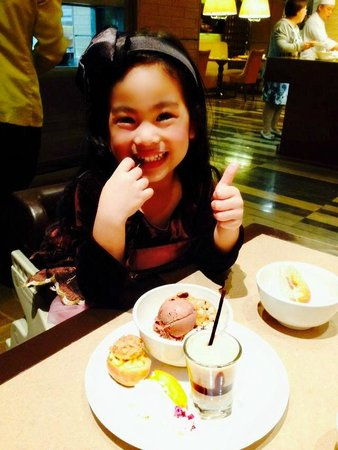 Cafe Ilang-Ilang: my daughter enjoying the gelato