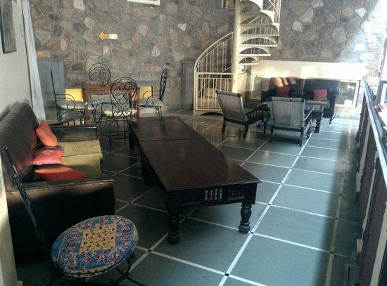 Jaipur Inn: Lobby Area