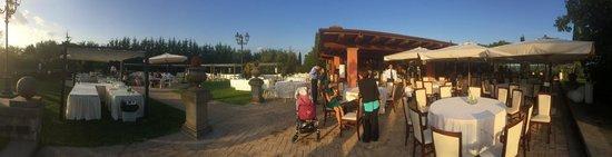 Villa San Michele: Panoramica sul giardino esterno