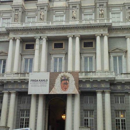 Palazzo Ducale : La facciata da Piazza Matteotti.