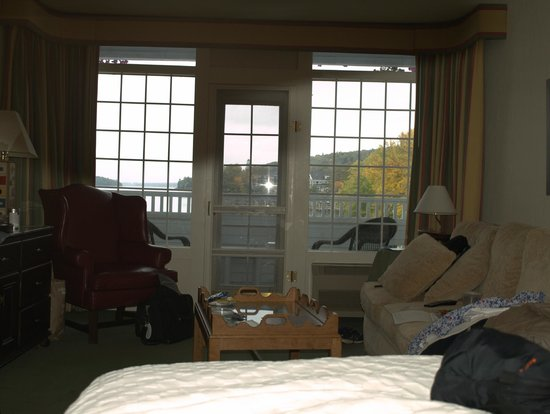Bay Point at Mill Falls: Lake view from hotel bed
