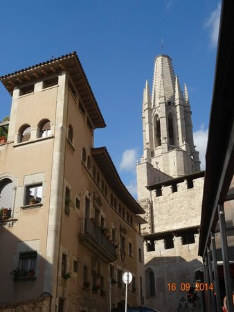 Girona Tours - Private Day Tours : Снимаю на ходу