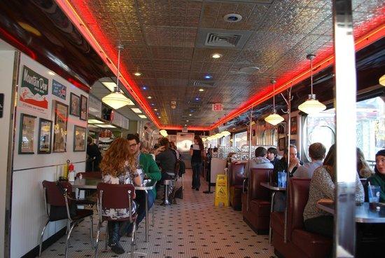 Court Street Diner: Interior