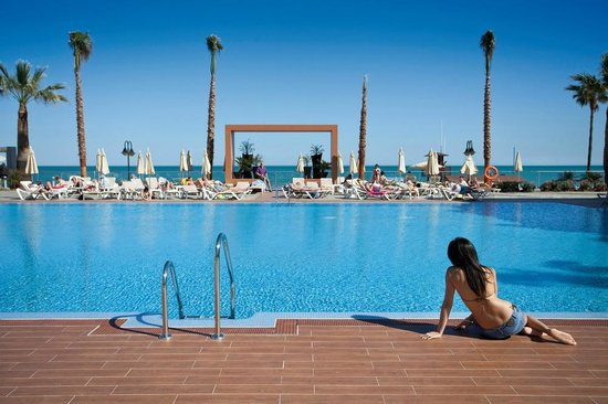 Hotel Riu Nautilus: Outdoor pool