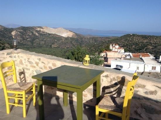 Cressa Ghitonia Village: uitzicht van op het terras