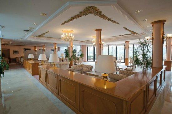 Hotel Riu Olot: Hall