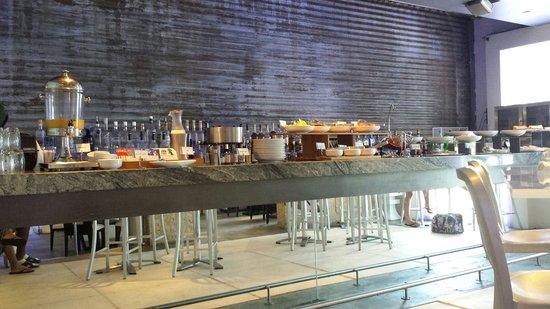 San Juan Water & Beach Club Hotel : Continental Breakfast at Zest
