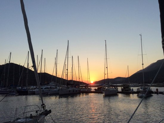 Meymekan Restaurant: View of the marina