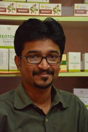 Ayurveda Yoga Villa: Dr Jithin in his office :)