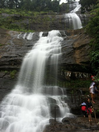 Thommankuthu Falls : Smoothness