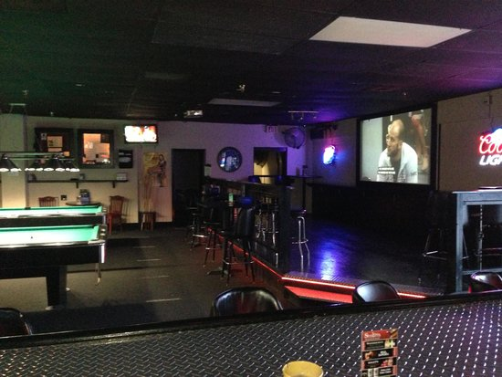 Edgewood, FL: Professional Pool Tables, Steel Tip Darts & Cornhole Boards
