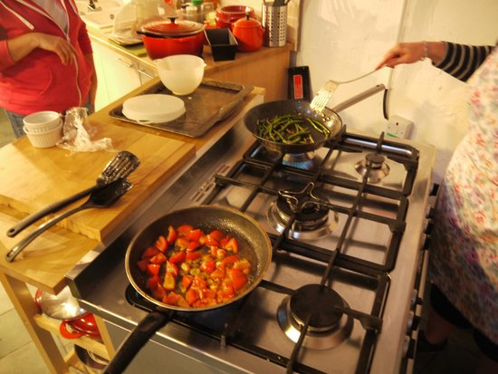 The Secret Garden : Cooking in action!