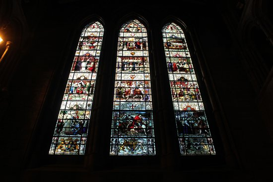 St John the Baptist's Church: Stained glass window