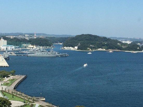 Mercure Hotel Yokosuka: レストランからの風景