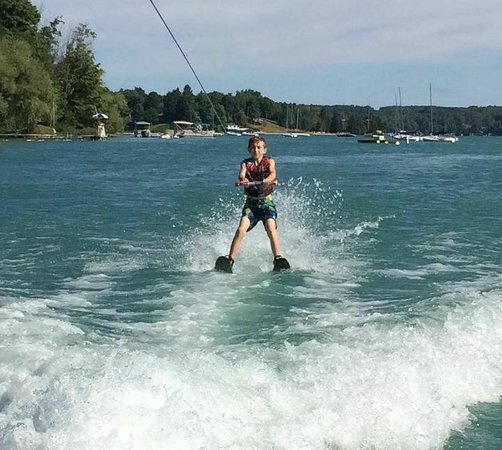 Walloon Lake, MI: First time water skier experience