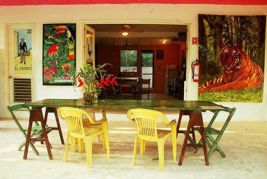 El Jardin de Frida: KItchen and Breakfast Area