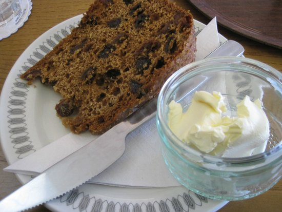 Dolly's Cafe: Tasty Tea Loaf with butter
