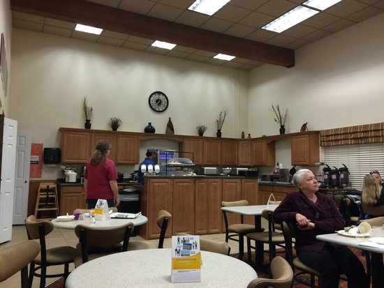 Comfort Inn of Butte: Breakfast room.