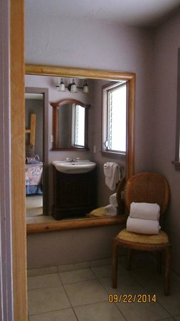 Sierra Sky Ranch: Bathroom