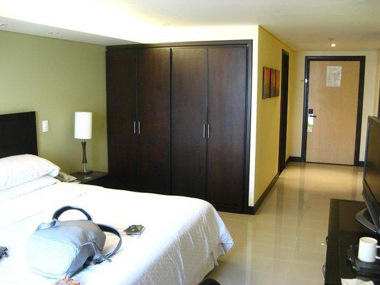 Hotel Four Points By Sheraton Cali: Espaço confortável