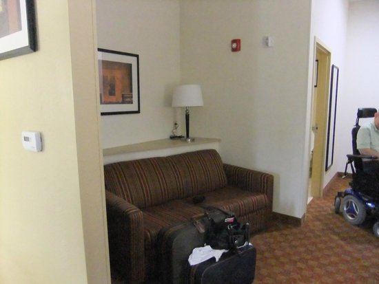 Comfort Suites Salem: Extra space