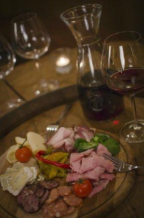 Senkovna Fine Wine Pub