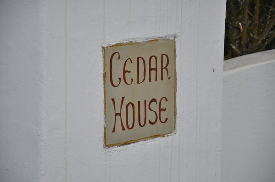 Cedar Garden Bed & Breakfast: Cedar House B&B