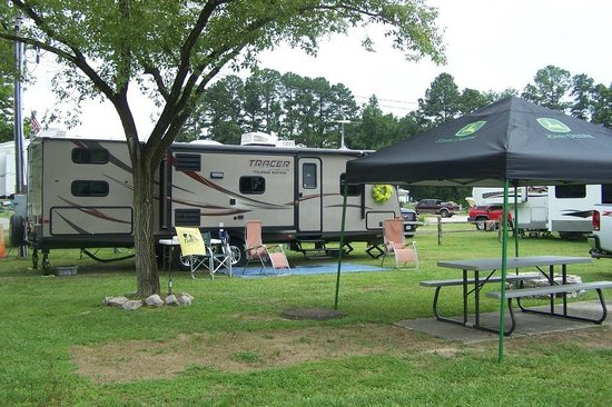 Kampers Lodge Campground