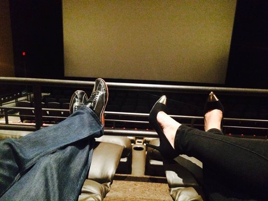 Brandywine, MD: Reclining Seats Pretty Cool :)