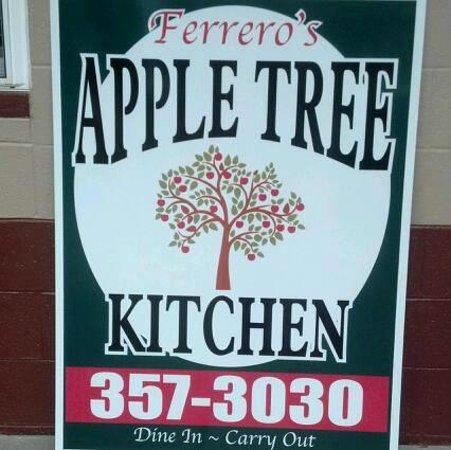 Pinckneyville, IL: Sign