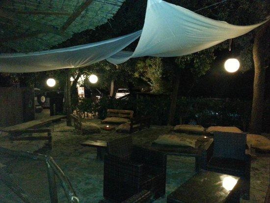 Bar Bagno Venere: Giardino bar 2