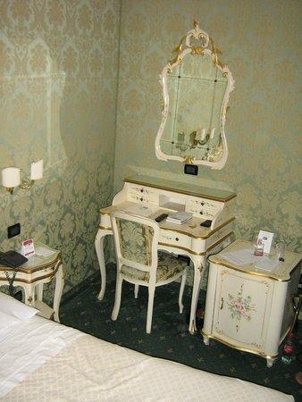 Gorizia a la Valigia : chambre agréable style vénitien
