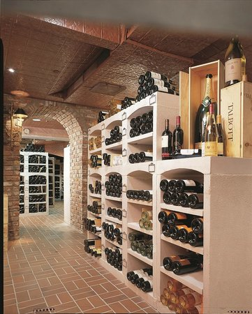 Castle Hotel & Spa : The Wine Cellar