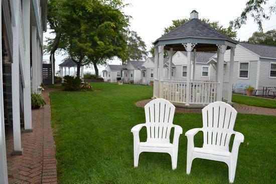 Lake Vista Resort : courtyard
