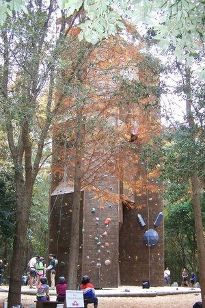 James Island County Park Campground & Cottages: climbing wall