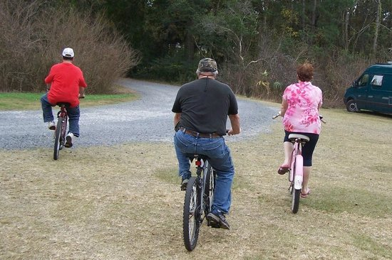 James Island County Park Campground & Cottages: bike trail