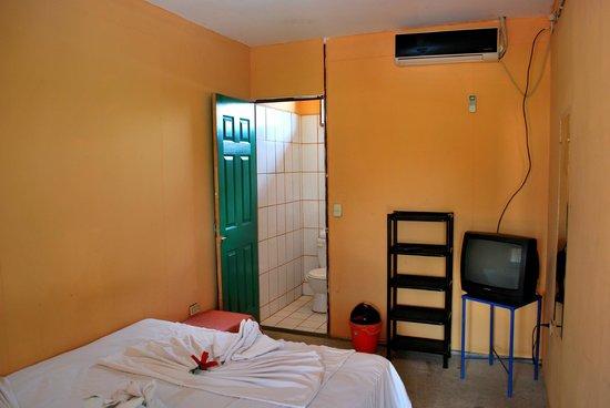 Hotelito Y Restaurante Aly : Habitacion Matrimonial.