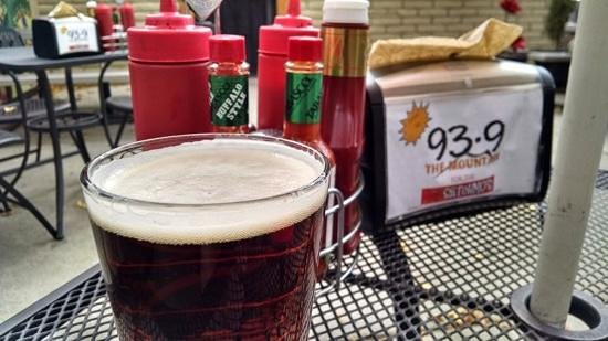 Satchmo's BBQ: Po Boy and a Beer