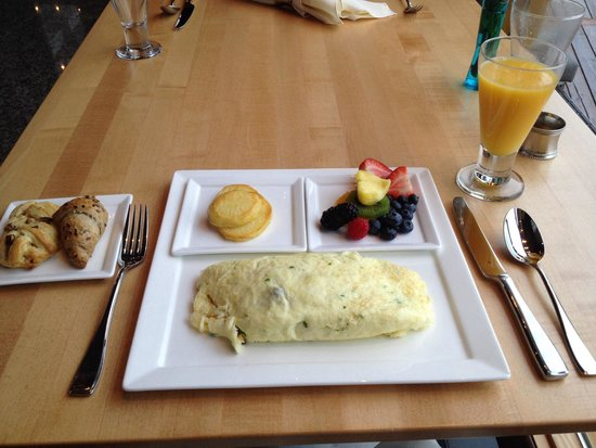 Azuridge Estate Hotel: My breakfast