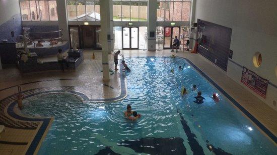 Village Hotel Blackpool: Indoor pool