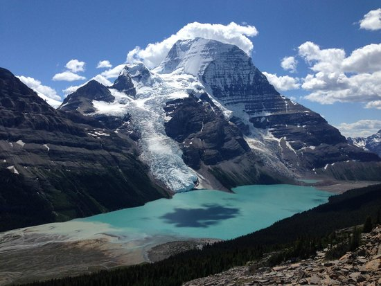 Las Rocosas Canadienses, Canadá: Mount Robson/Berg Lake/Berg Glacier taken from Mumm Basin trail - Mt Robson / Berg lake Trail