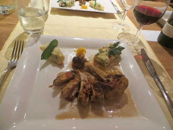 L'Ayguelade: Delicious duck for dinner