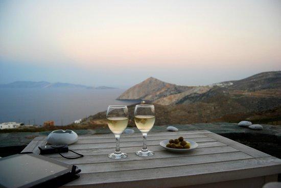 Provalma Studios: Terracita exterior de la habitación, perfecta para tomar una copa de vino.
