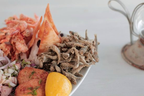Piso Livadi, Greece: Assortment with seafood!...delicious!!!
