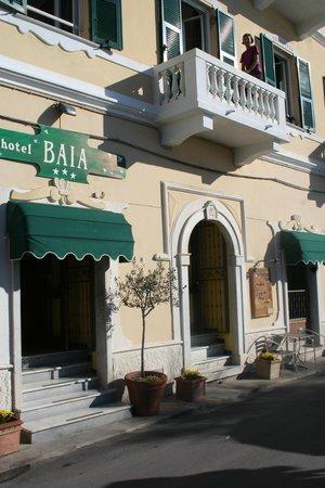 Hotel Baia : Hotel and Balcony