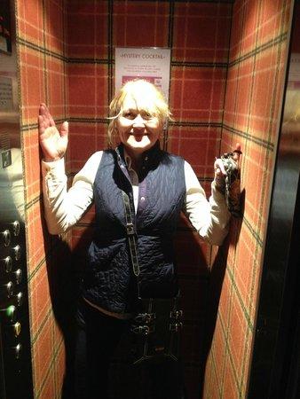 Hôtel Brittany : Elevator