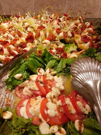 Crowne Plaza Hotel Executive Center Baton Rouge: Salad choices
