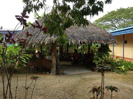 Vanuatu Holiday Hotel: Espace petit déjeuner