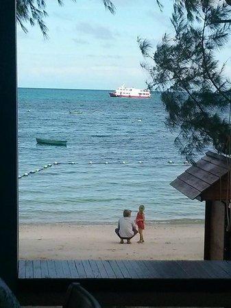 Koh Tao Montra Resort & Spa : beach