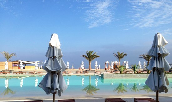 Inca Spa - Paracas: Pool view.  Double Tree Hilton, Paracas